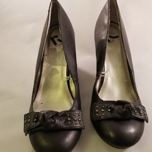 Report wedge sandals with bow - Sz 8.5